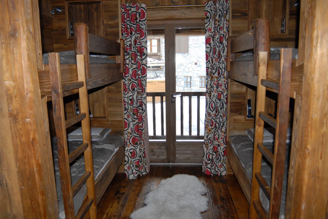 chalet-marco-polo-bunk-room-3