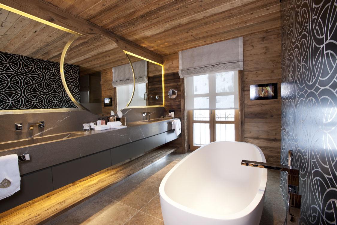 chalet-n-bathroom-2