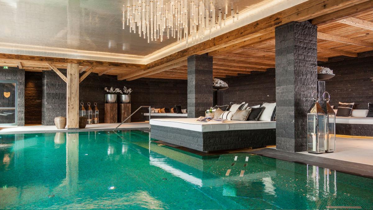chalet-n-swimming-pool2-2