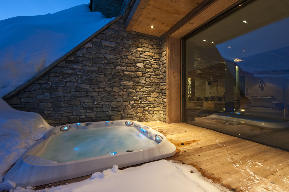 chalet-norte-hot-tub-2