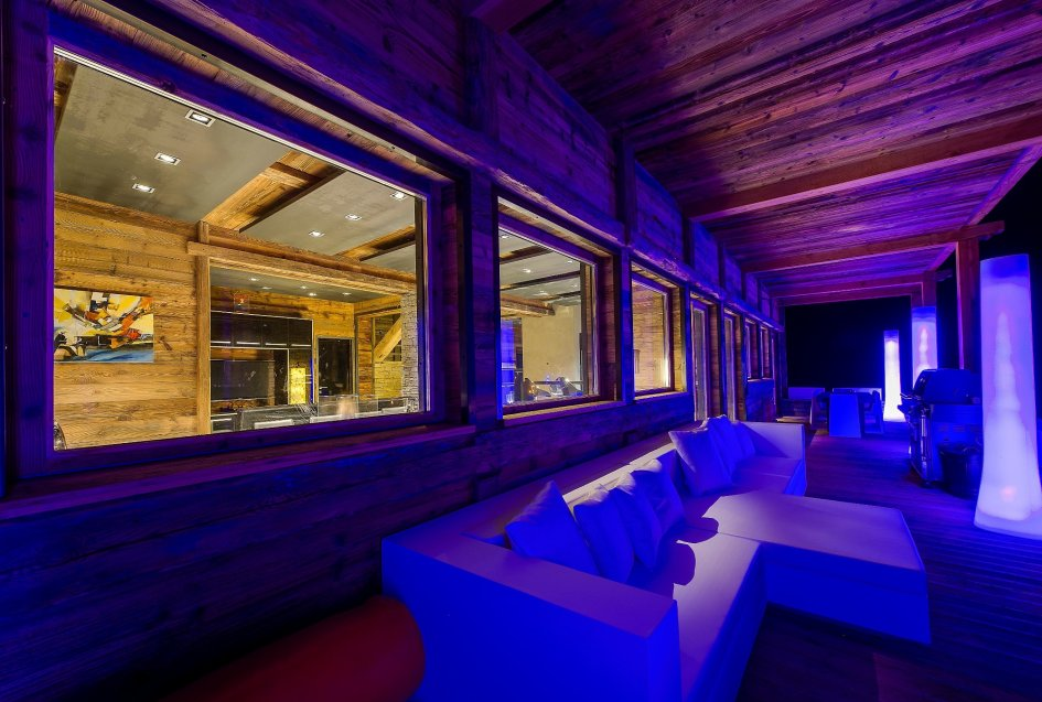 chalet-quezac-balcony-2
