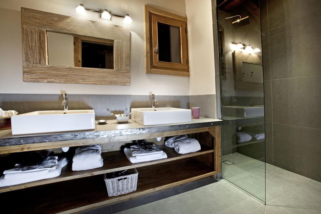 chalet-samarra-bathroom-2