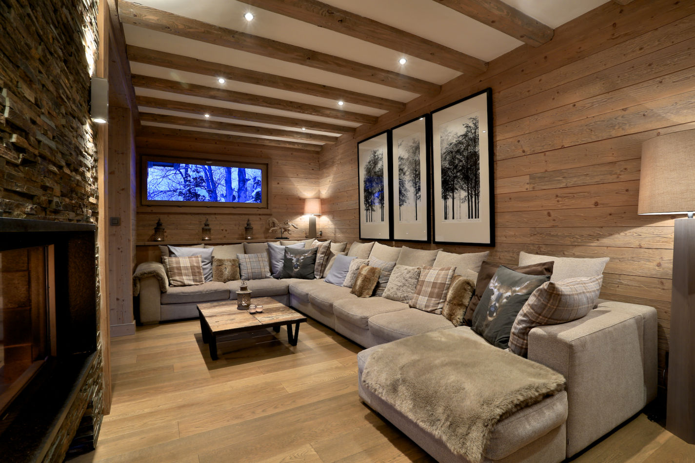 living-room-in-evening-image-125