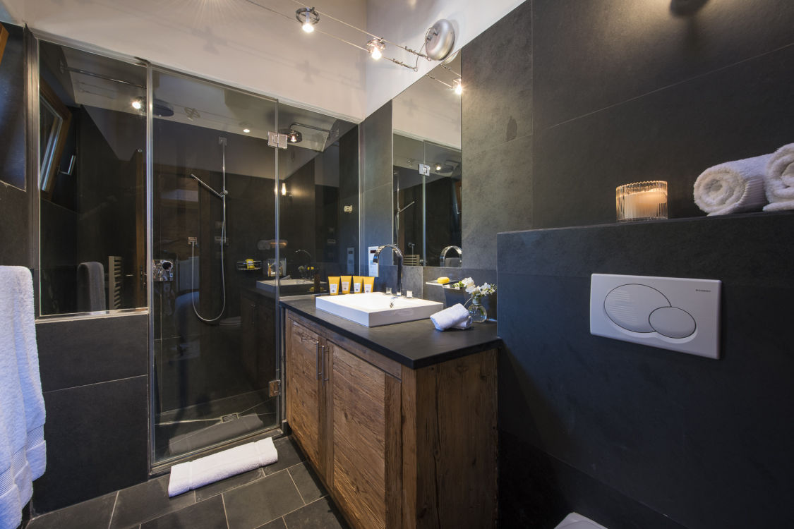 valentine-penthouse-bathroom2-2