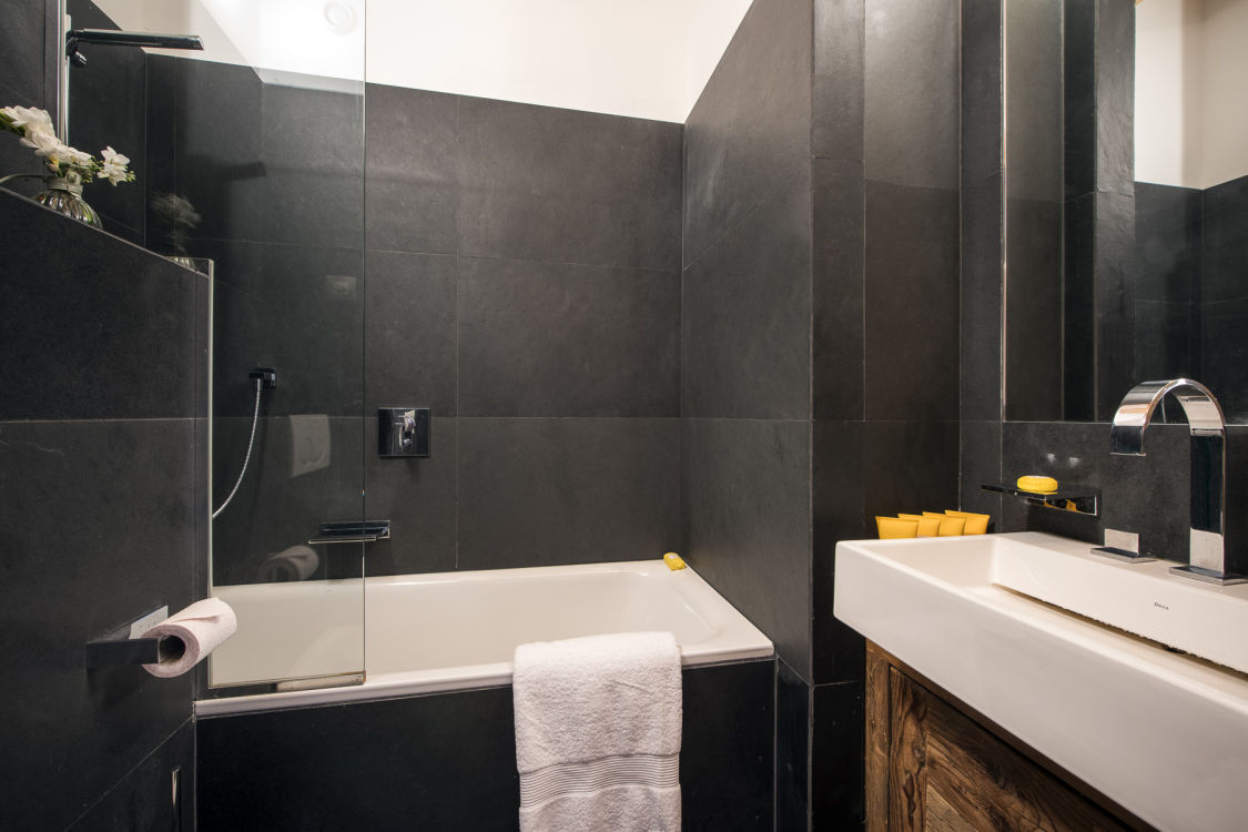 valentine-penthouse-bathroom3-2