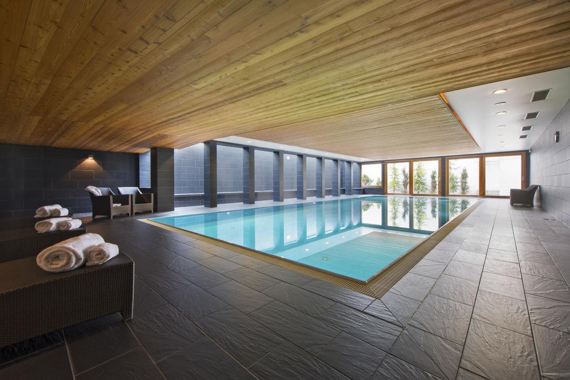 valentine-penthouse-shared-pool-2