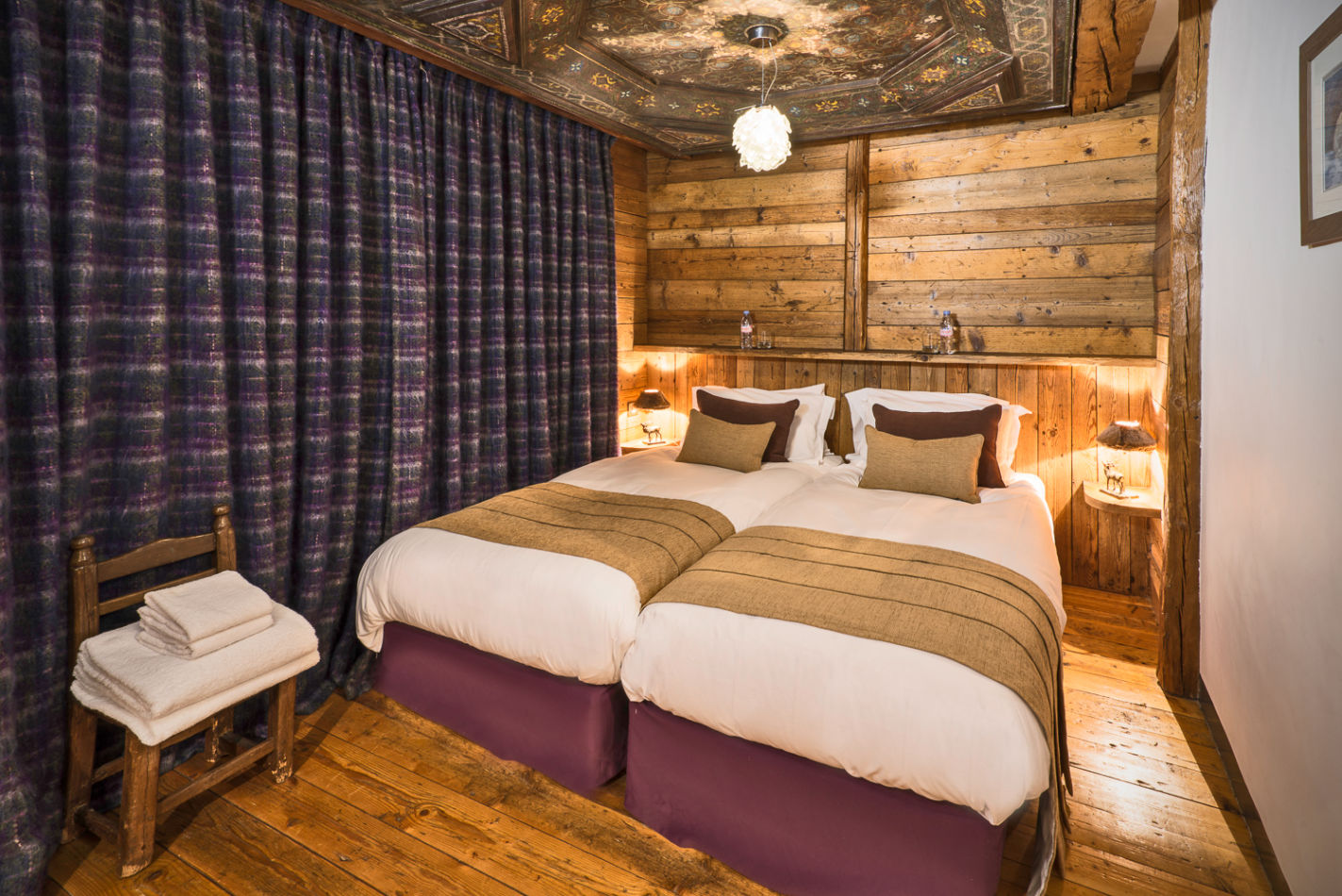 web_bedroom_twin_1