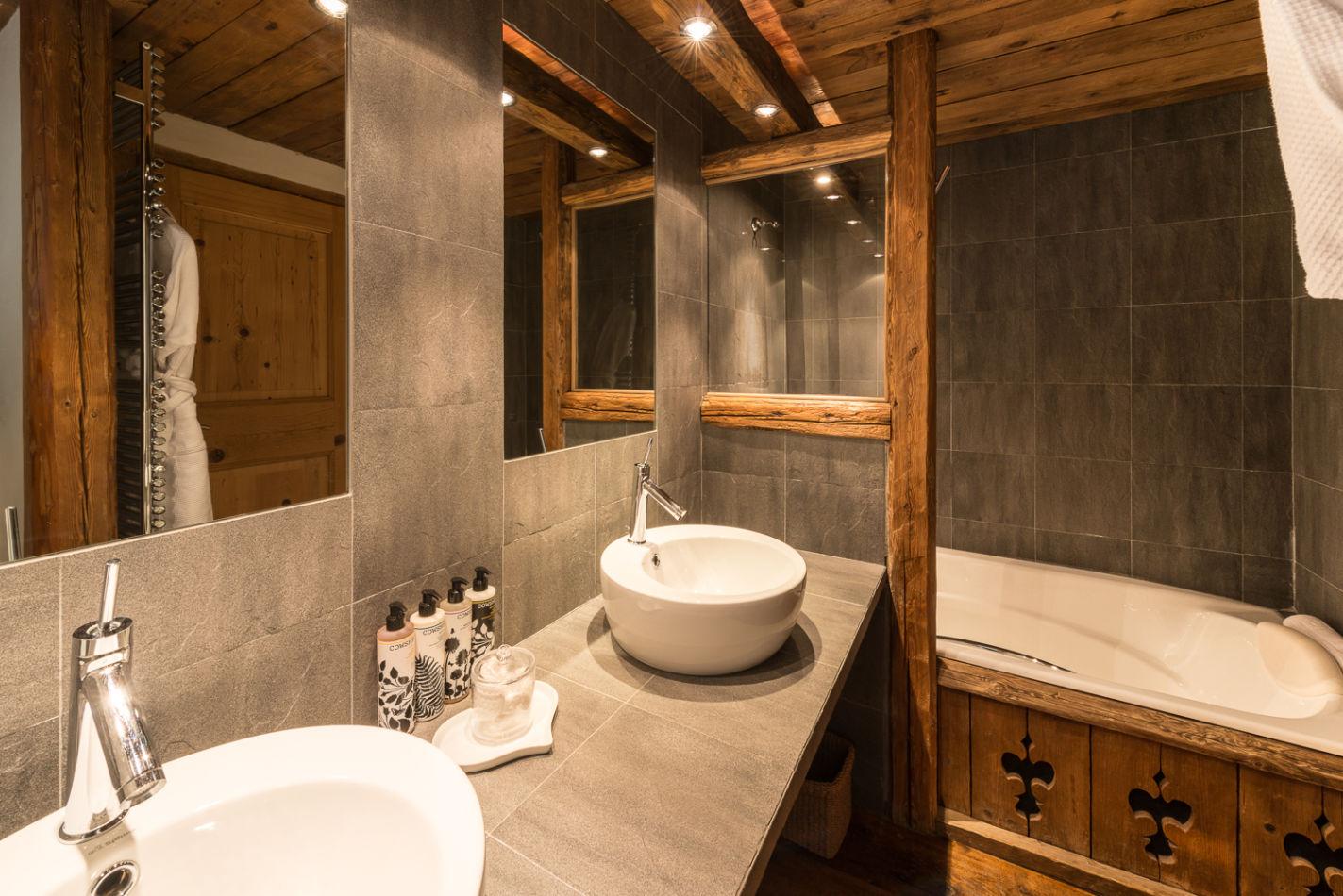 bathroom_twin_1-2