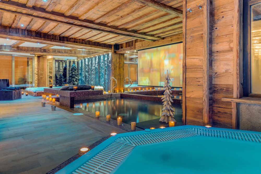 chalet-lhotse-hot-tub-3