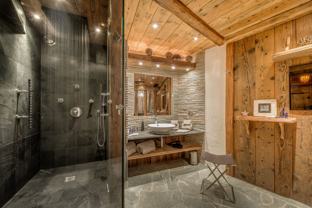 chalet-lhotse-master-bathroom-3
