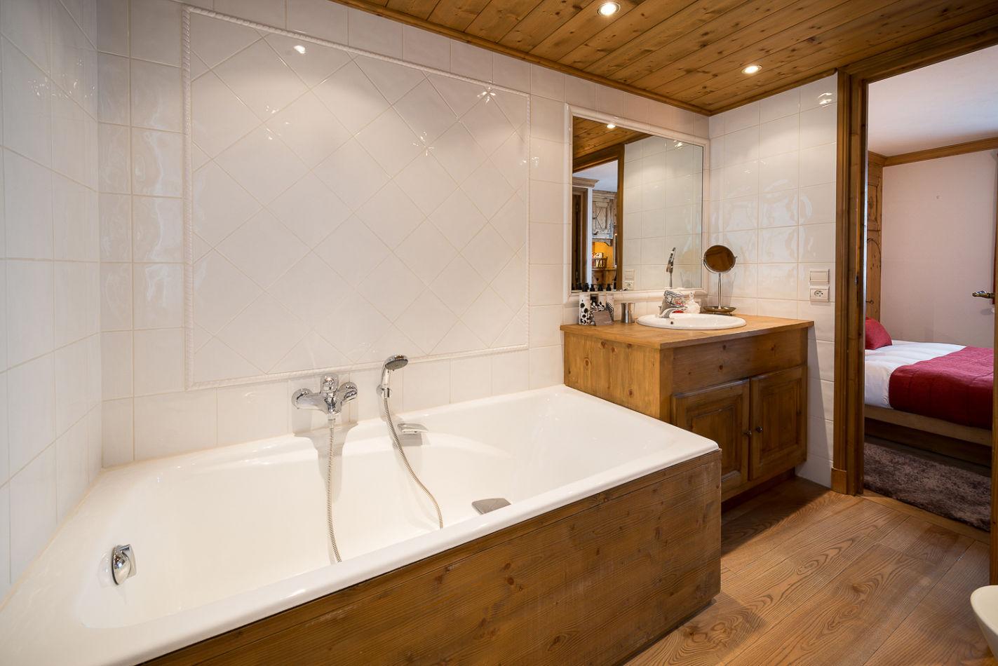 double_1_bathroom_web