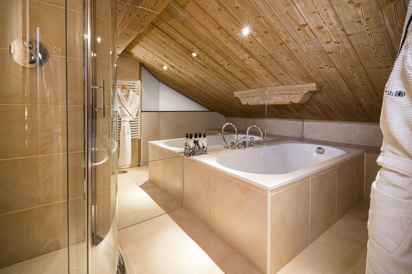 master_bathroom_web-2
