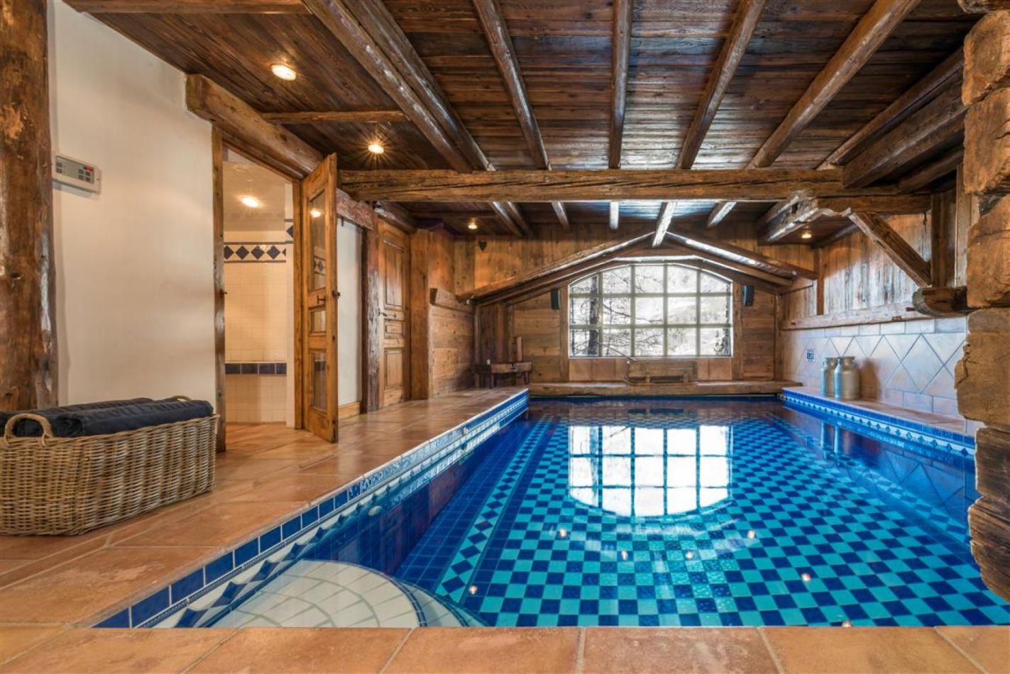 swimming_pool-medium-large