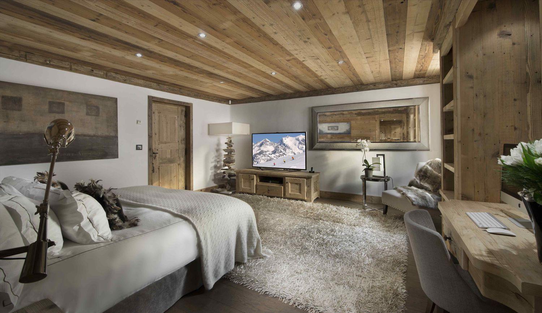 09-vip-bedroom