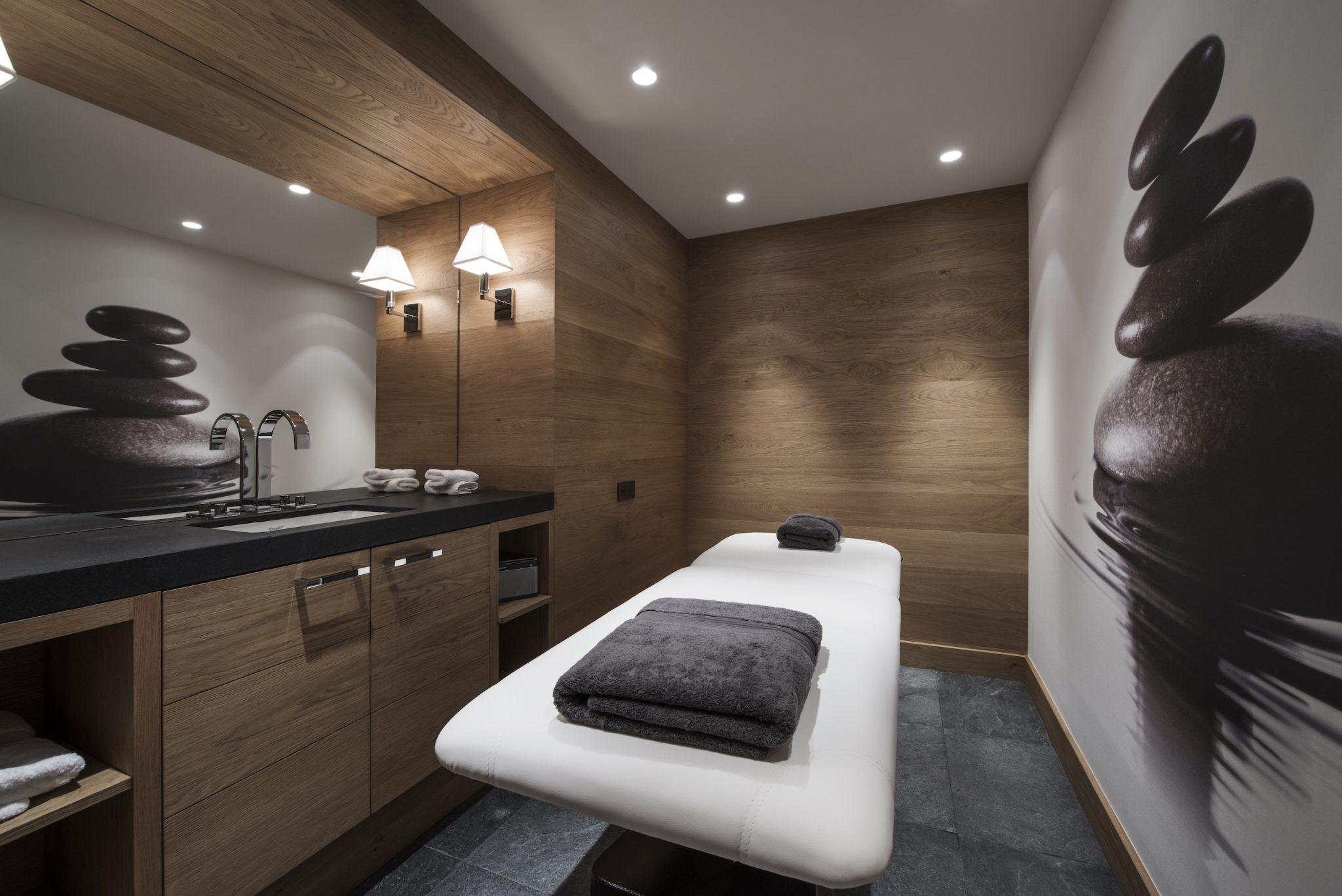 24-spa_massage-room-2