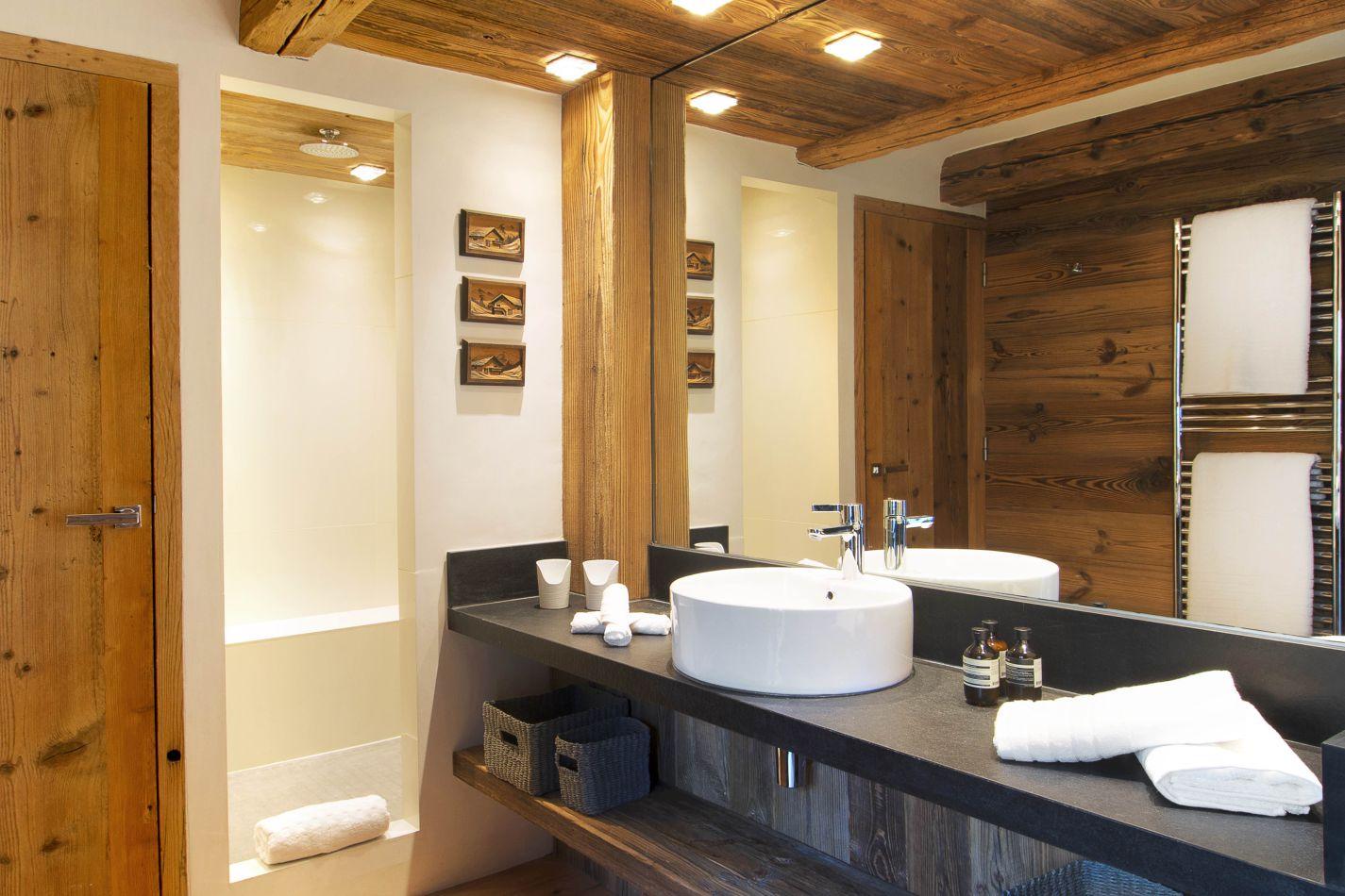ae-vieux-pont-bathroom