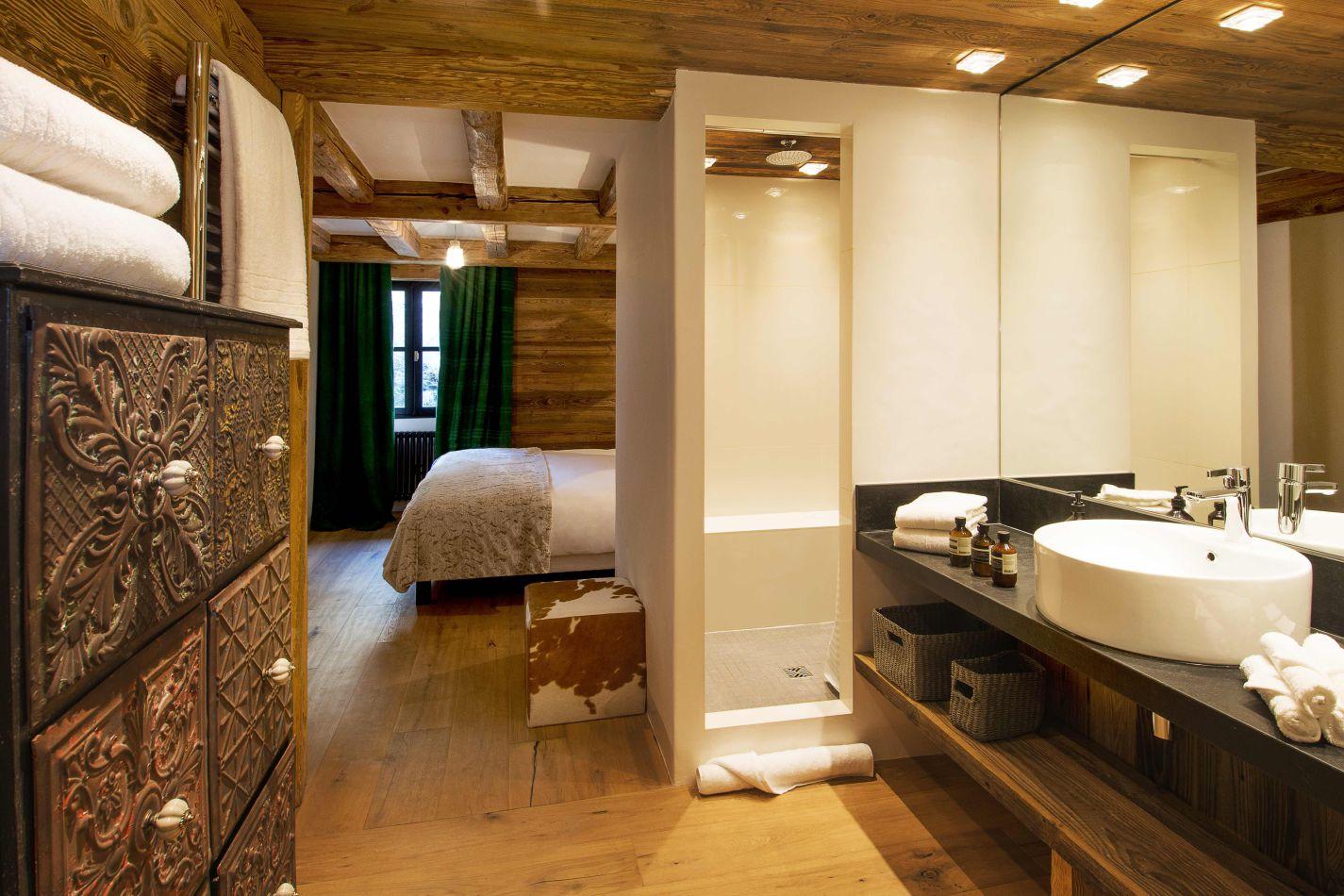 ag-vieux-pont-bathroom-2