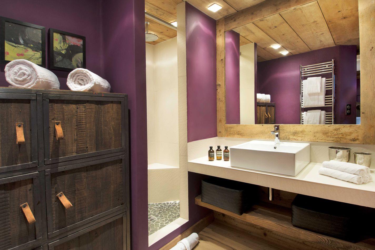 ah-rive-gauche-bathroom-2