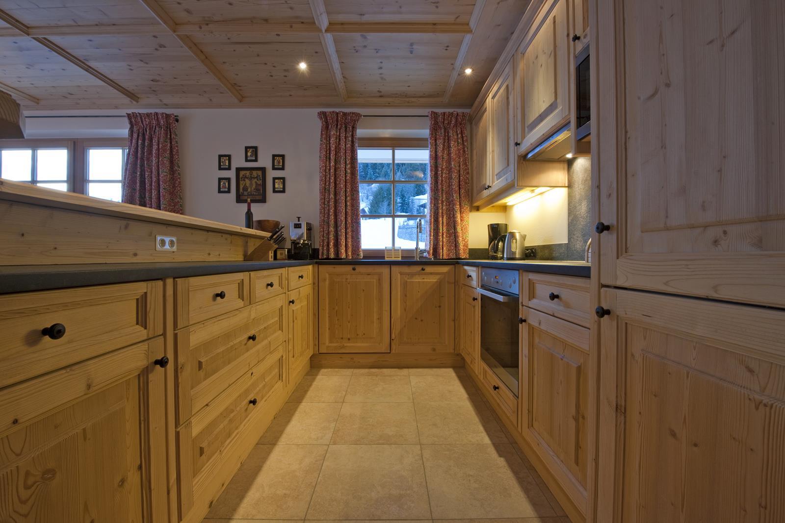chalet-alexandra-kitchen