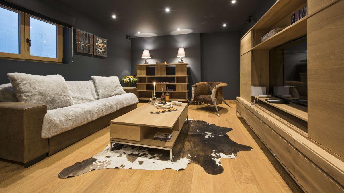chalet-sherwood-tv-room