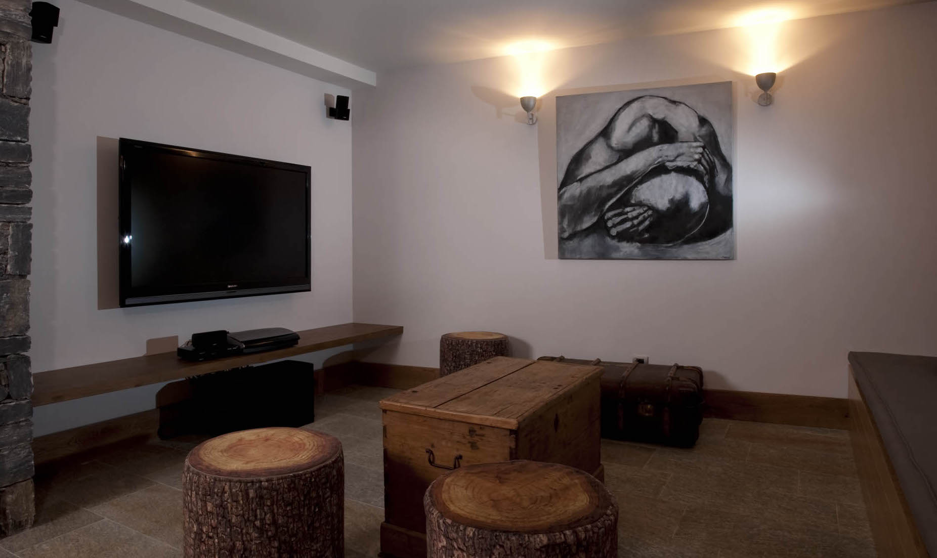 chalet-zybeline-tv-room