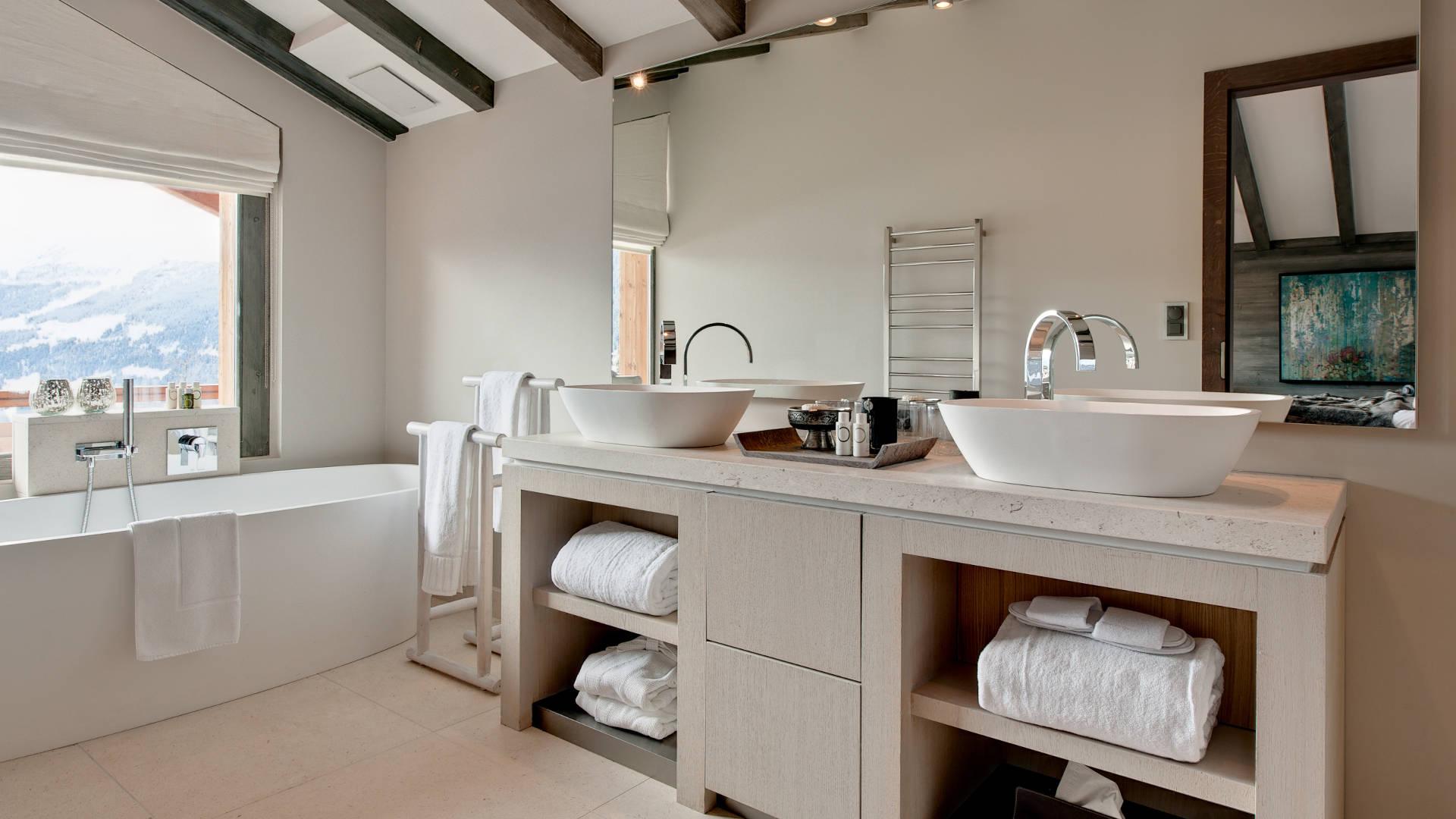 no-14-master-bathroom-3