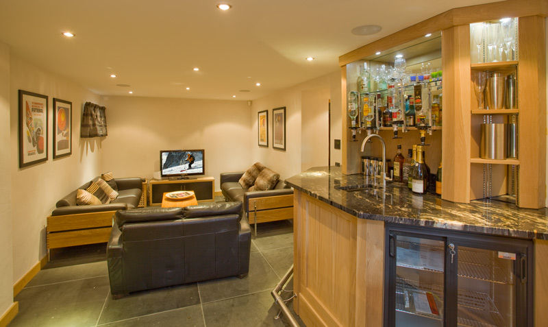 tv-room-and-bar