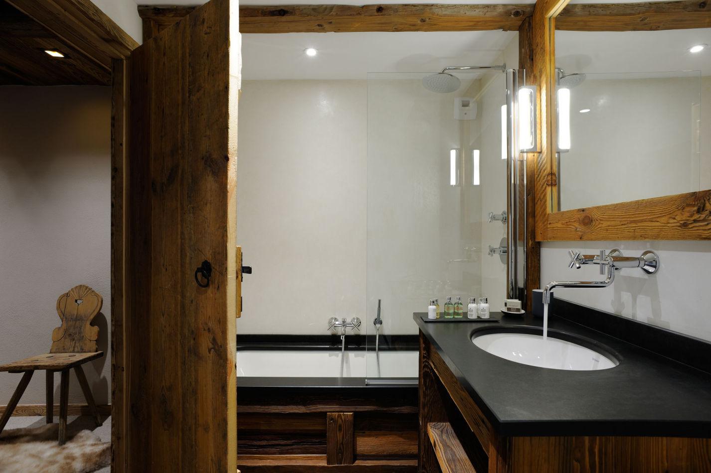 14-en-suite-bathrooms-all-the-same