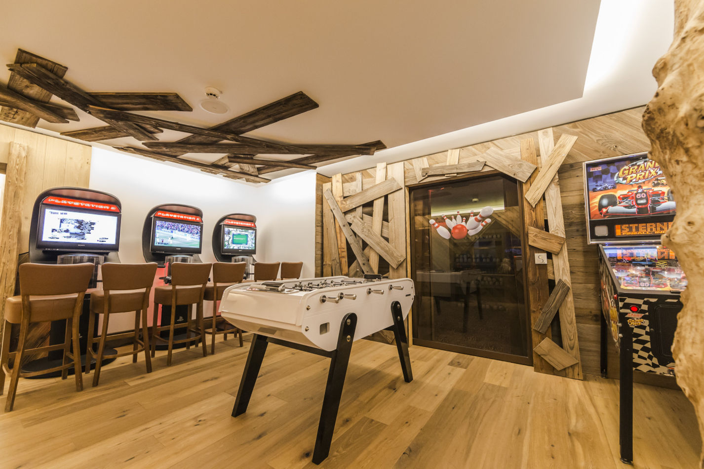 40-salle-de-jeux-videos-video-games-room