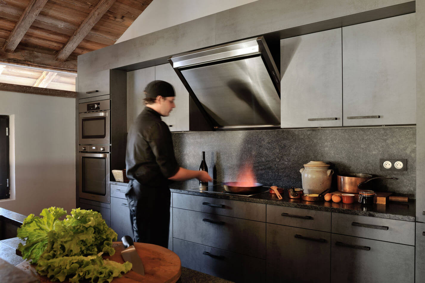 5-professional-fine-dining-chefs-in-the-open-plan-kitchen