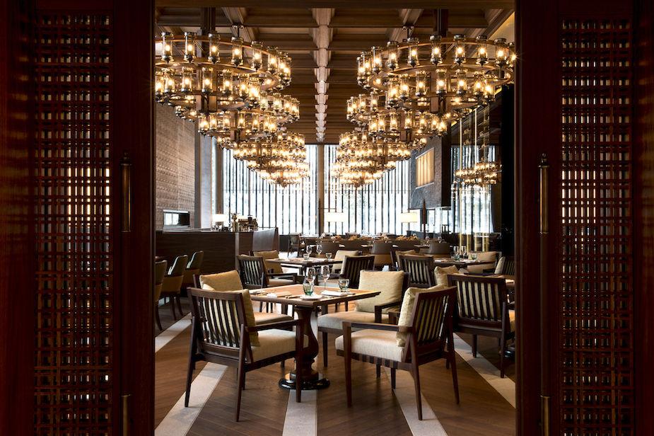 cam-dining-the-restaurant_06-3