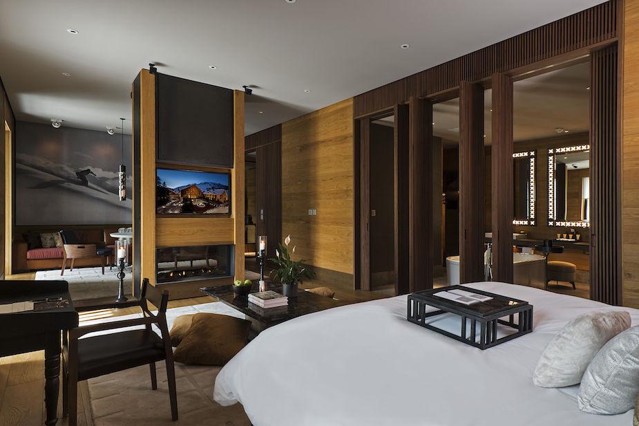 cam-room-deluxe-suite-04-2