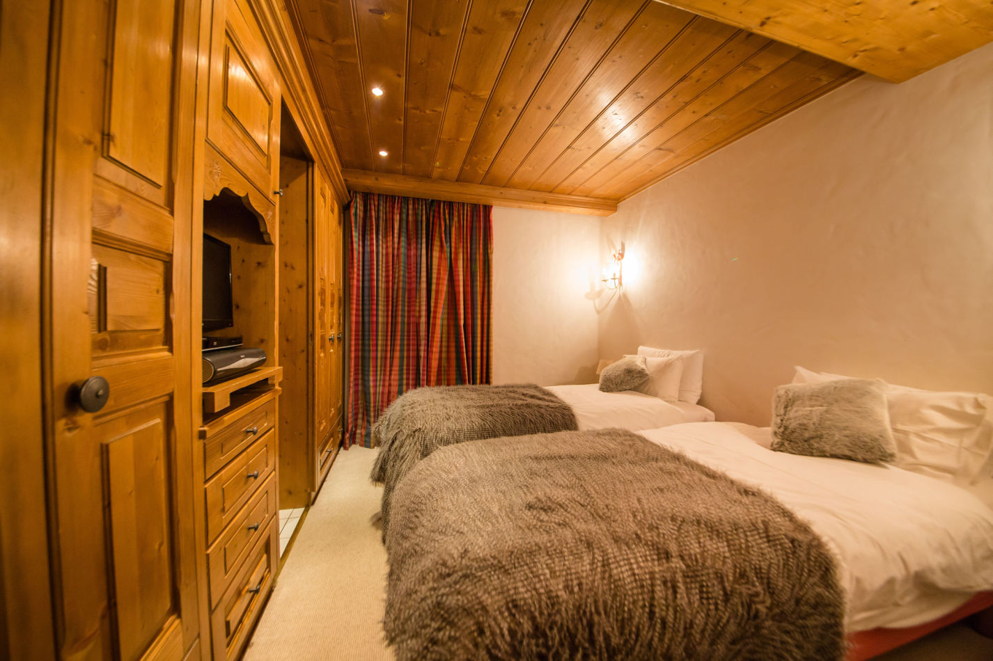 chalet-maisonnee-a-bedroom-image-7