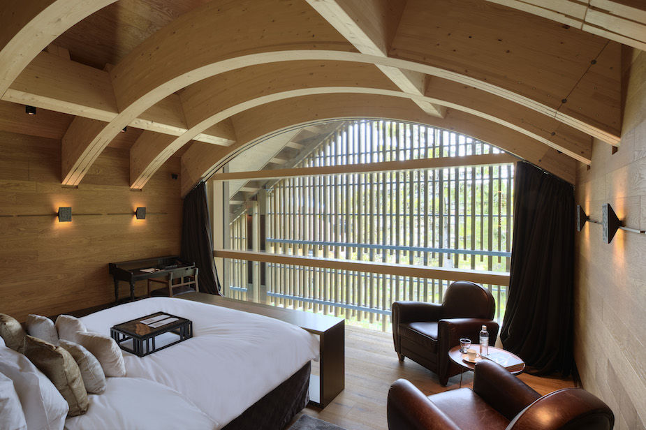 chedi-andermatt-furka-suite-bedroom-2