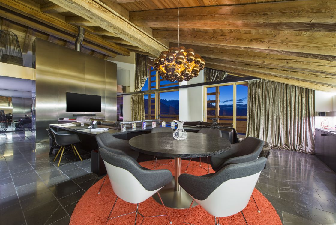 ewow-suite-lounge-3