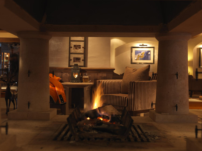 fireplace_-_open_log_fire_2571_med