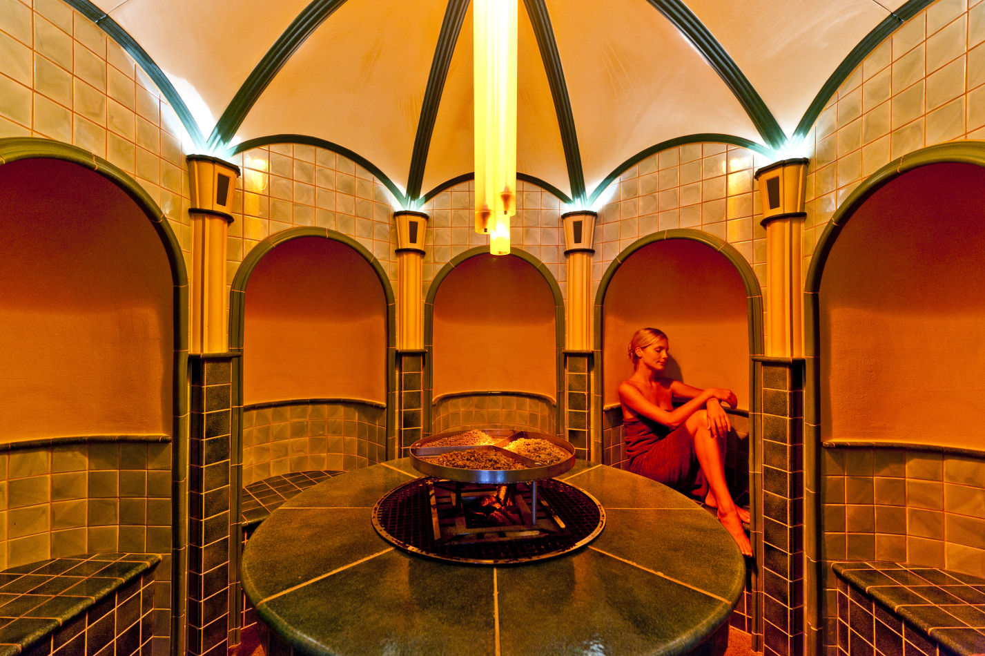 le-grand-spa_herbal-steam-bath