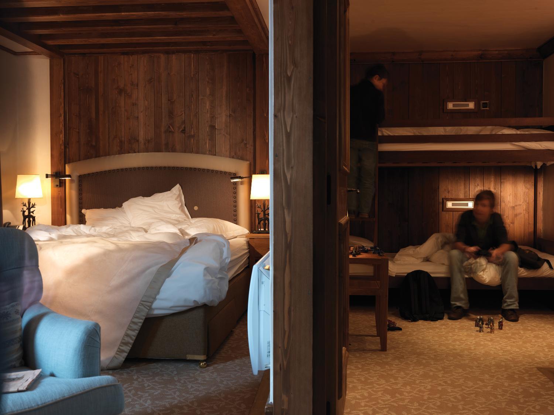le_portetta_hotel_family_room_12450_med