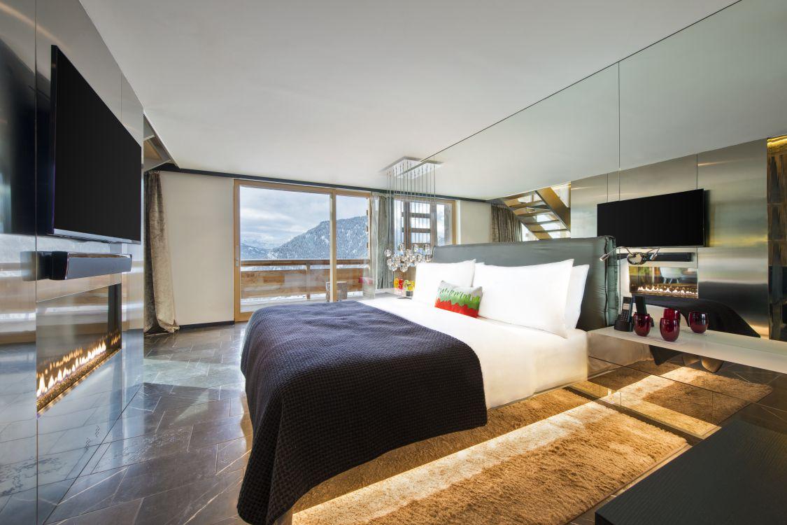 wow-suite-bedroom-1