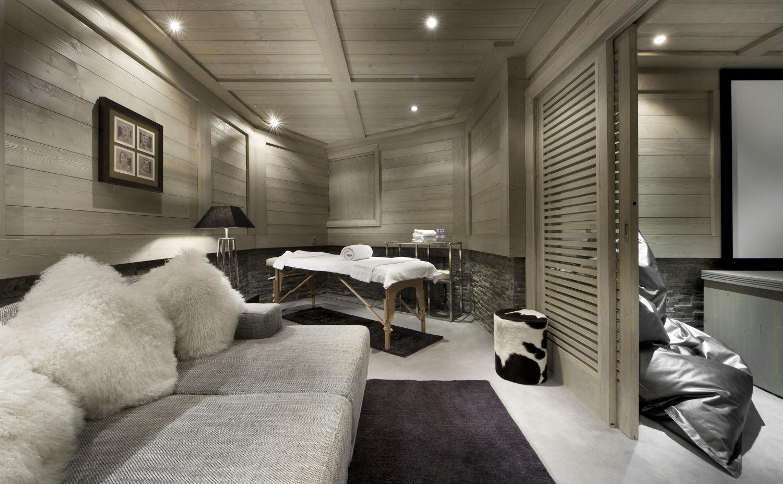 massage-room-white-pearl