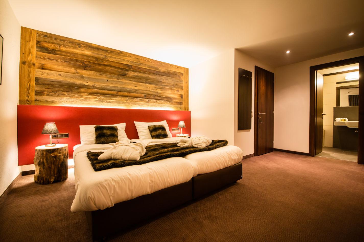 montfort-bedroom-2