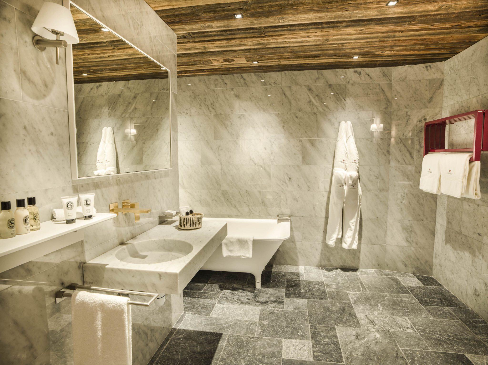 chalet-sequoia_chambre-3_salle-de-bains-2