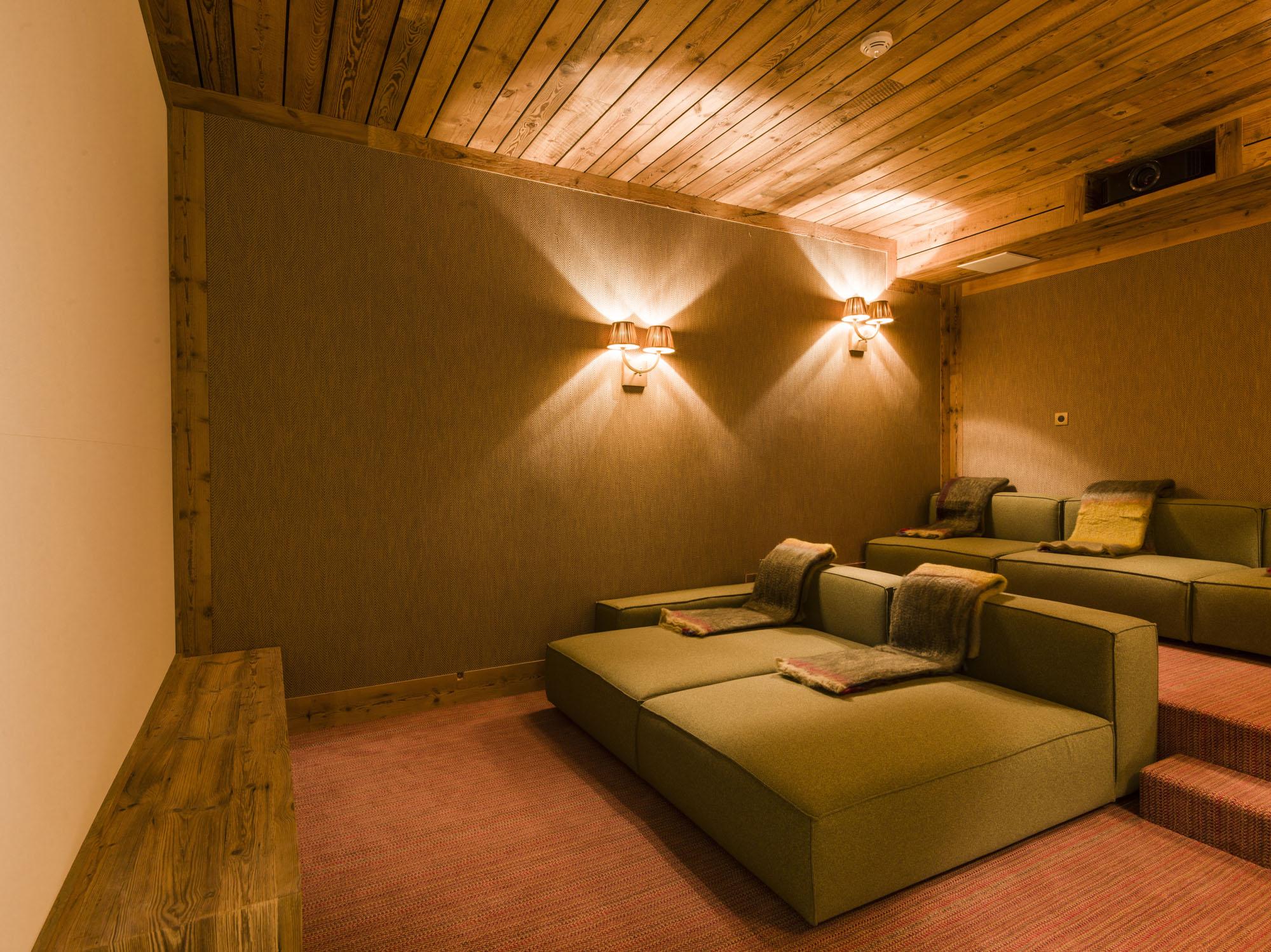 chalet-sequoia_salon-cinema-2