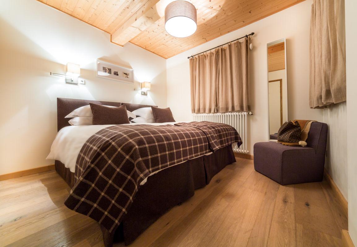 chalet-le-crepet-bedroom-3