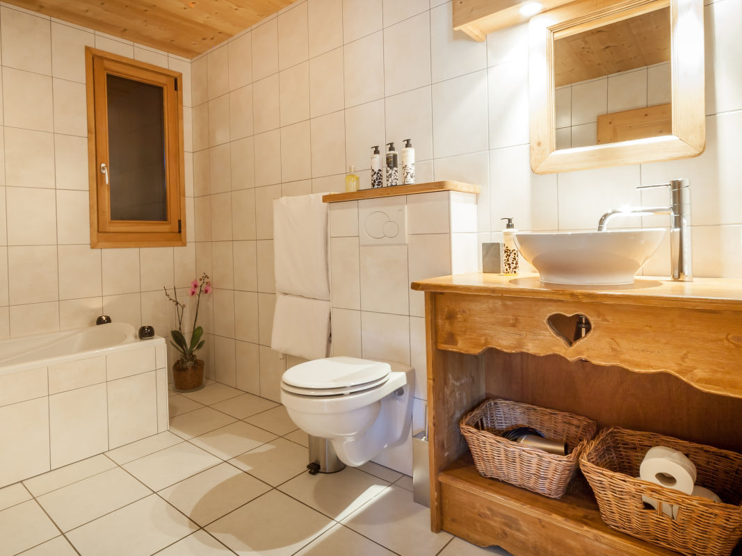 la-ferme-delise-bathroom2