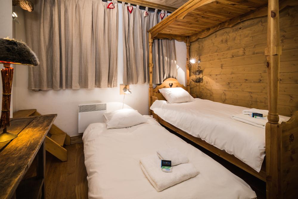 bedroom_twin-4