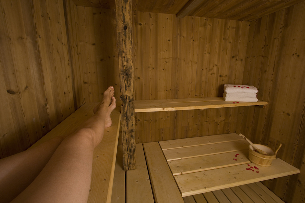 sauna-at-chalet-merlo