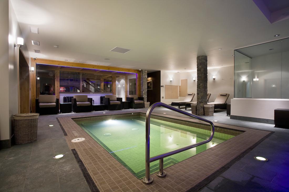 pool_view_night_04