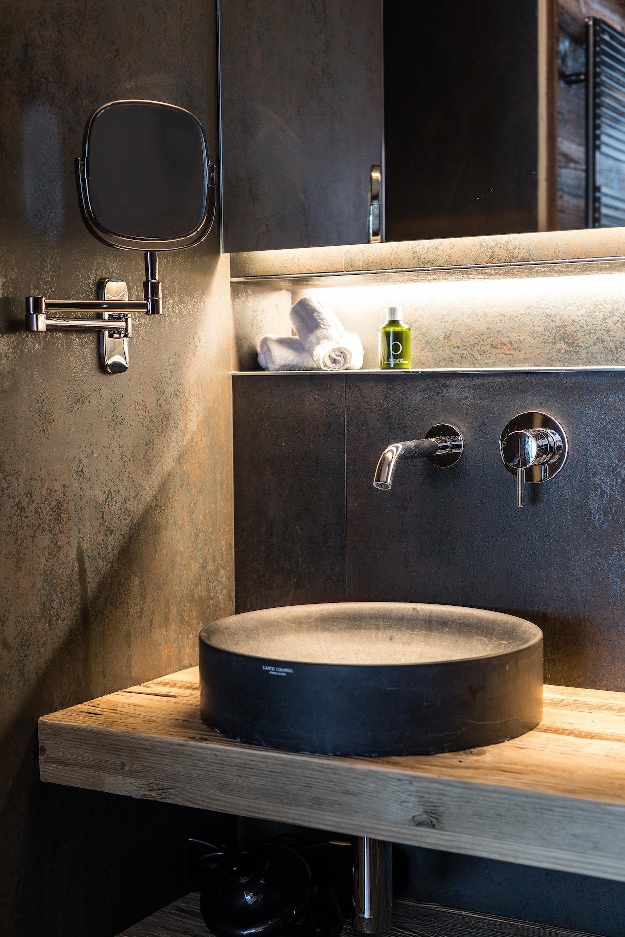 jp-39-bathroom-1_41053111231_o