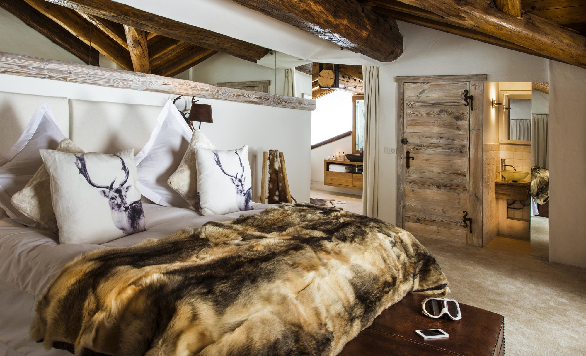 le-kilimanjaro-bedroom-olympus-2
